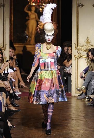Foto de Vivienne Westwood Primavera-Verano 2010 en la Semana de la Moda de París (17/21)