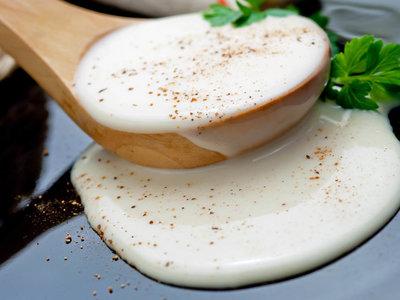 Salsas básicas que debes aprender a hacer para ser profesional en la cocina