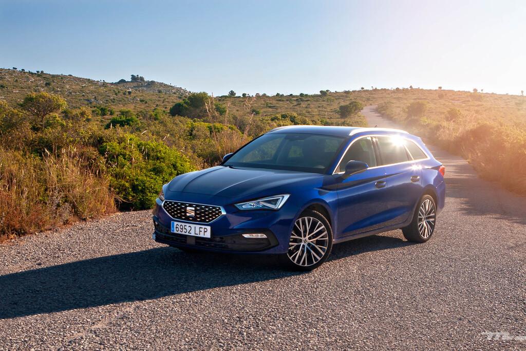 Los coches más vendidos de España en 2020: SEAT León, Dacia Sandero y Nissan Qashqai, en el podio