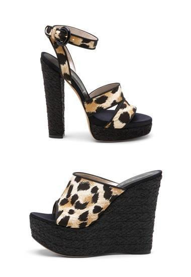 Casadei, calzado de verano en print leopardo y color negro. Piernas largas y cortas