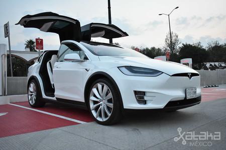 Tesla Model X Mexico 10