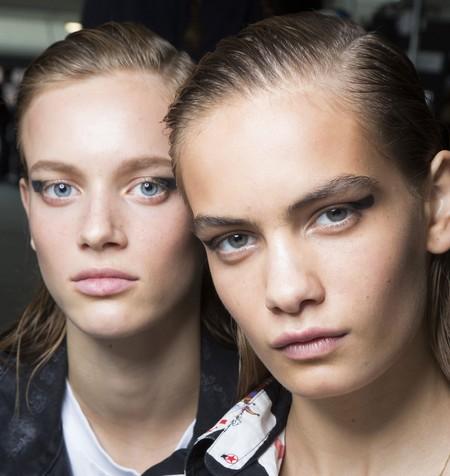El eyeliner redondo viene a salvarnos la vida (a las que no logramos el cat-eye perfecto ni con cartabón)
