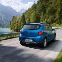 Las ventas de coches siguen a la baja: el Dacia Sandero doblega al SEAT León y los SUV continúan mandando