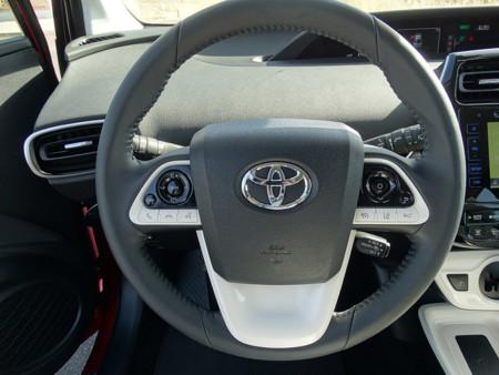 Volante Prueba Toyota Prius 2016 Detalles Interiores
