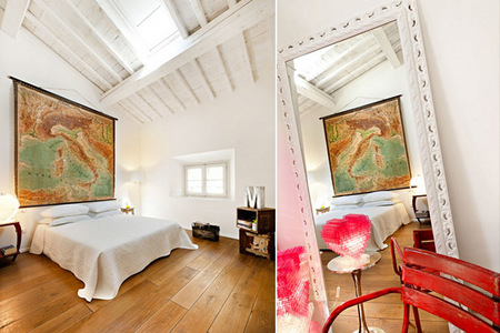 Dormitorio con mapa gigante
