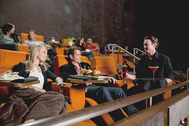 cenar en los cines