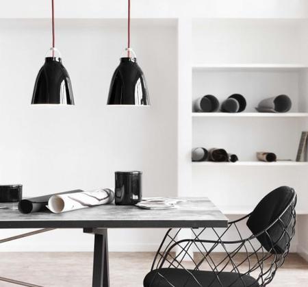 Lámparas, de dos en dos y en blanco y negro