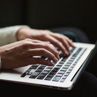 Esta web pone a prueba tus nervios simulando el terrible retardo del teclado presente en sistemas operativos antiguos