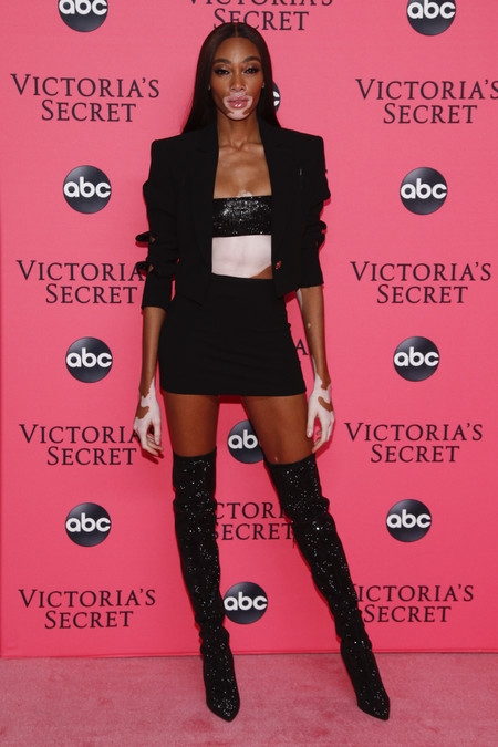 Winnie Harlow victoria secret red carpet