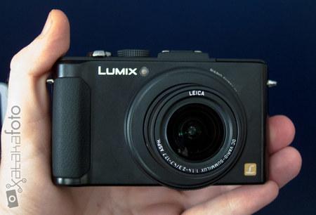 Lumix LX7 en las manos