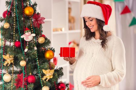 Los 17 mejores regalos para hacer a una embarazada en Navidad y mimarla como se merece