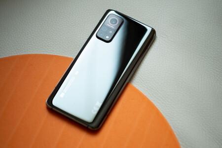 Xiaomi MI 10T a precio de derribo: chollazo para un gama media equipado con 5G y 5.000 mAh por menos de 300 euros