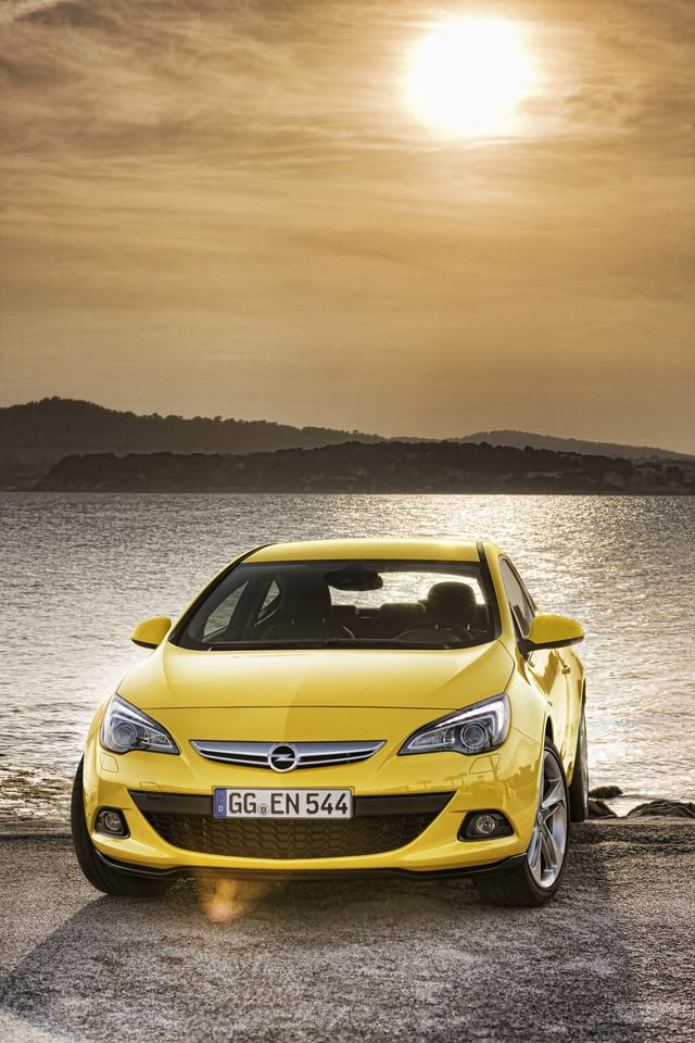 Foto de Opel Astra GTC (30/90)