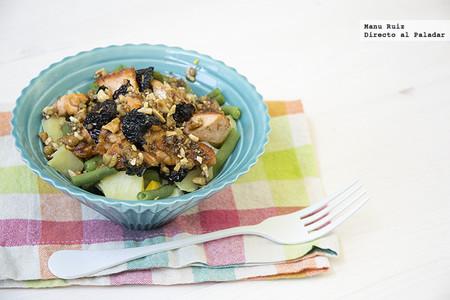 Ensalada de judías verdes, patata y salmón con vinagreta de frutos secos. Receta