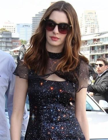 Los looks de Anne Hathaway en Sydney