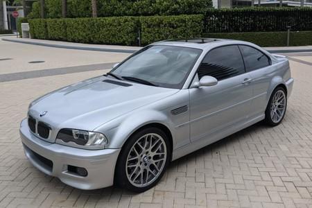 Este BMW M3 E46 de 2002 con 333 CV ha recorrido solo 24.555 km y algún nostálgico ha pagado 34.900 euros por él