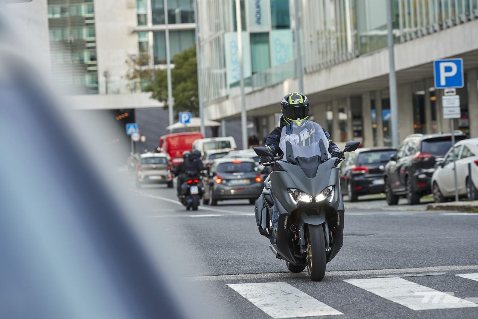 Foto de Yamaha TMAX 560 2020, prueba (25/30)