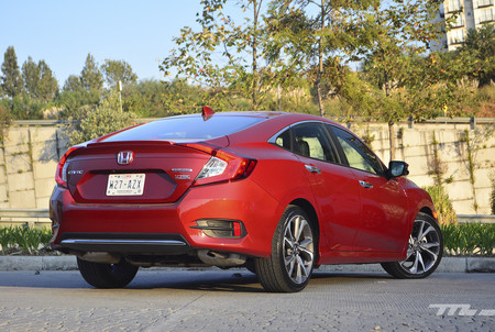 Honda Civic 2019 3