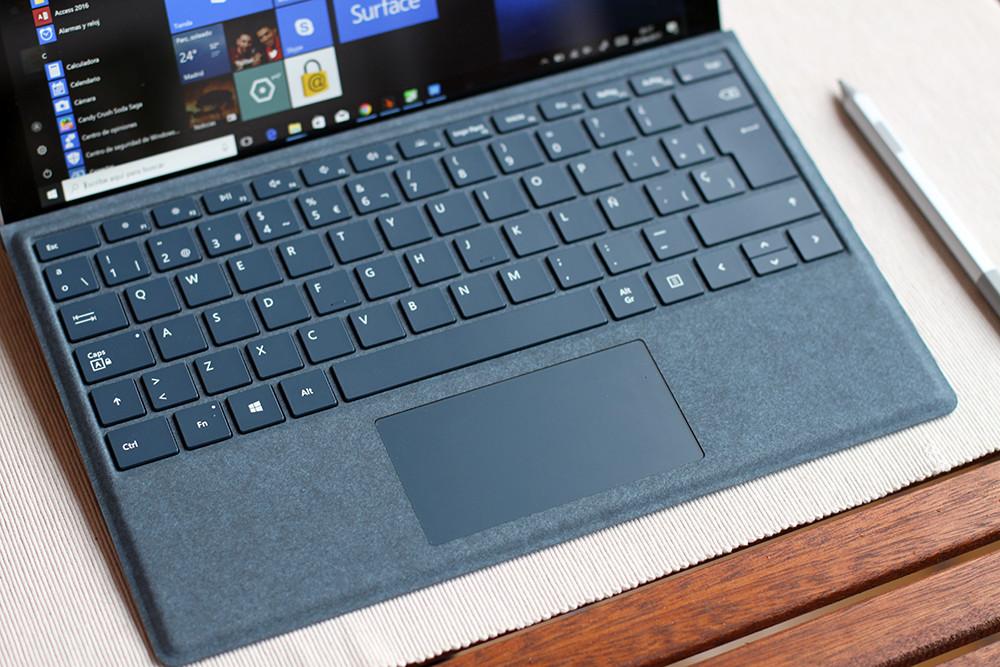 Surface Pro 2017 8