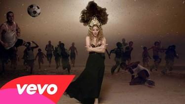 Shakira se trae a todos los amigos de Piqué para su vídeo... ¡y a Milan!!