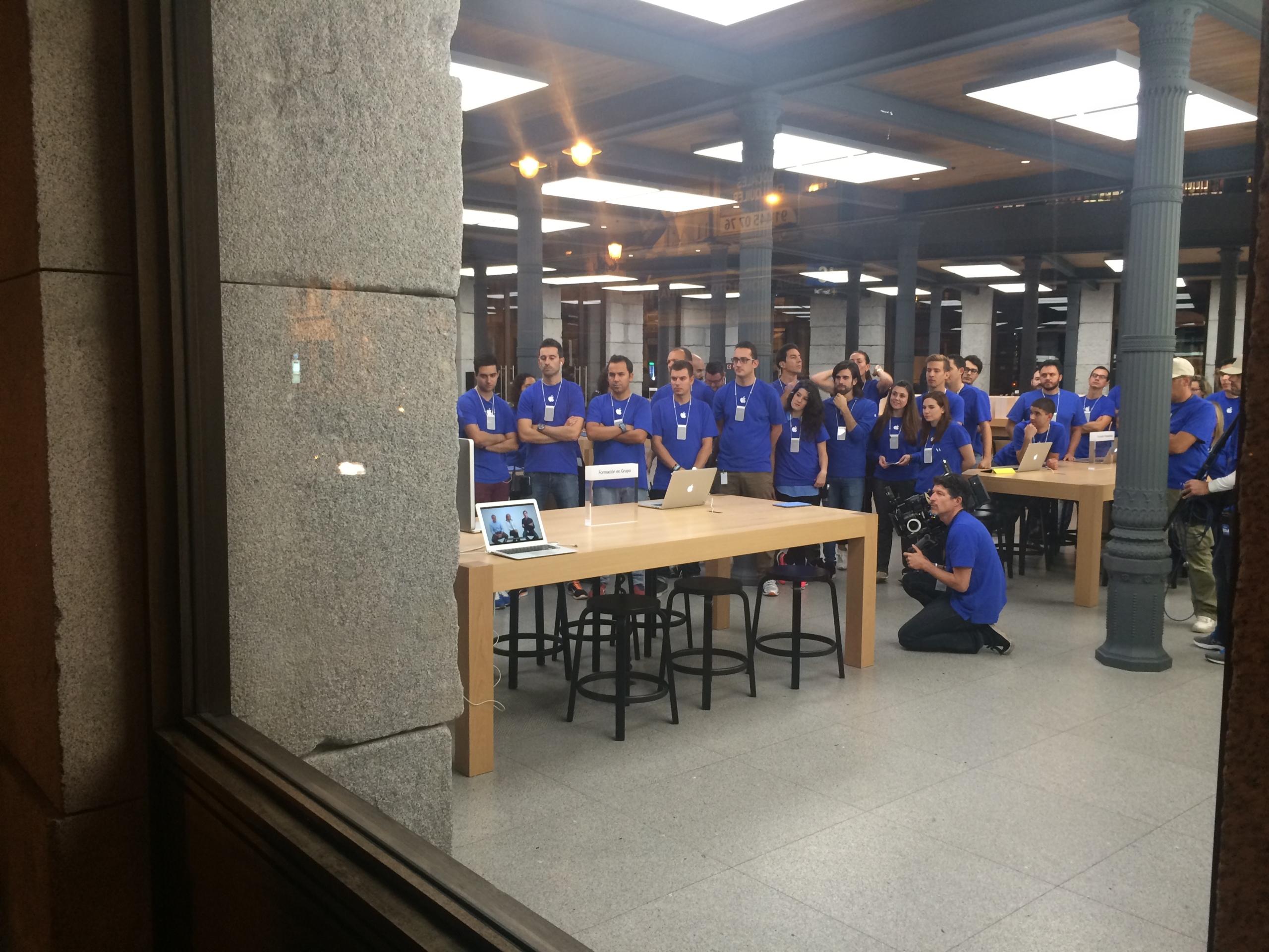 Foto de Lanzamiento iPhone 6 Puerta del Sol (2/10)