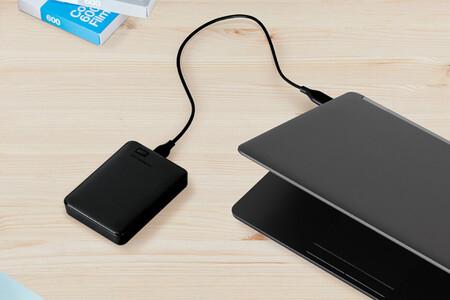 El compacto disco duro externo portátil WD Elements de 1,5 TB está rebajadísimo en Amazon a menos de 50 euros
