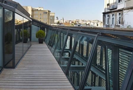 Puertas abiertas: elegante, moderno y atemporal edificio de apartamentos en Estambul