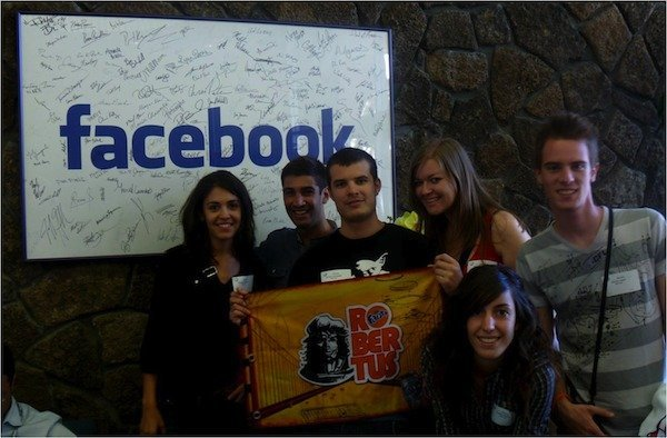 team CM en Facebook