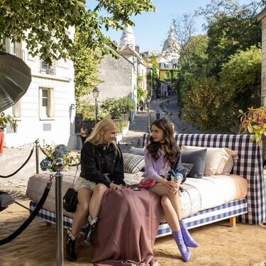 Chanel, Off-White, Christian Louboutin y muchas otras firmas visten los 17 momentos más estilosos de Emily y Camille en 'Emily in Paris'