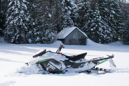 Taiga Moto Electrica Nieve 3
