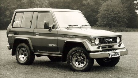 Toyota Landcruiser Ii 1988 Front 3 4 Hires