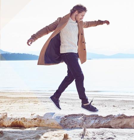 Tenis + abrigos: el binomio perfecto del otoño