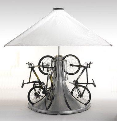 Curioso pedestal para guardar la bici