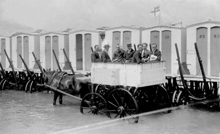 Mt 334 Bathing Machine Customers 1911