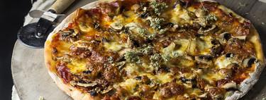 Ocho errores que ya no cometo cuando hago pizza casera y un truco para recalentar las sobras