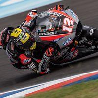 Thomas Luthi lidera los entrenamientos de Moto2 en Argentina con 21 pilotos separados por solo un segundo