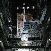 Este es el SLS de Artemis I: el impresionante cohete de 101 metros de largo con el que la NASA volverá a llevar a humanos a la Luna