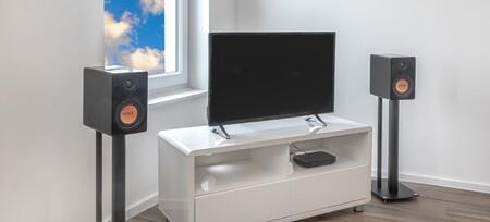 Mitchell Acoustics presenta los uStream One, unos altavoces activos Bluetooth de escritorio que se conectan entre sí sin cables