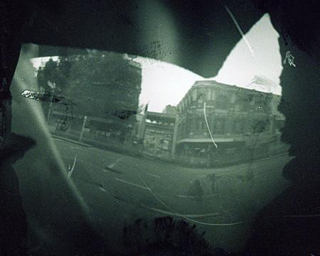 Melburne visto desde una cámara estenopeica hecha con un pato