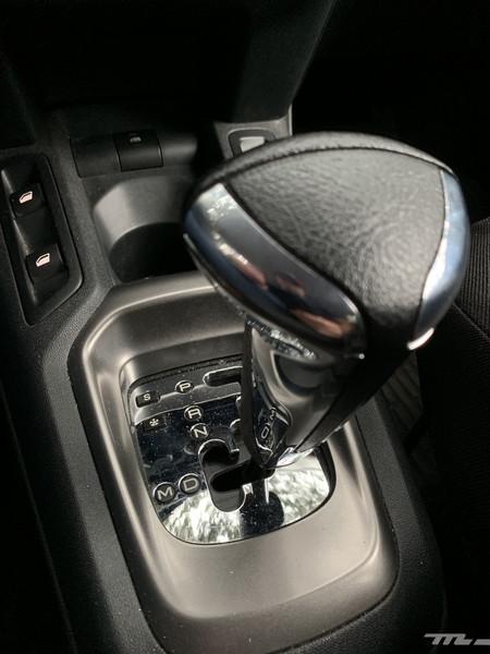 Peugeot 301 Prueba palanca cambio automático
