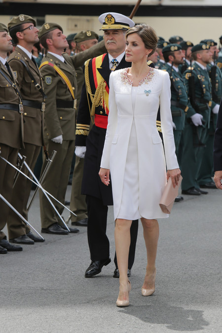 letizia ortiz look blanco guardia civil protocolo vestimenta