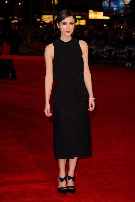 Keira Knightley en la premiere Jack Ryan Shadow Recruit en Londres con un vestido de Proenza Schouler Primavera-Verano 2014