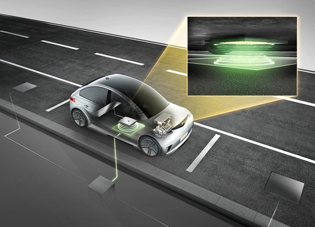 Cargar el coche de forma inalámbrica está un pasito más cerca: Continental presenta su sistema de 11kW