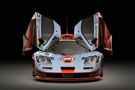 """McLaren lanza un programa de certificación para el mítico F1, y presenta este F1 GTR """"25R"""" restaurado"""