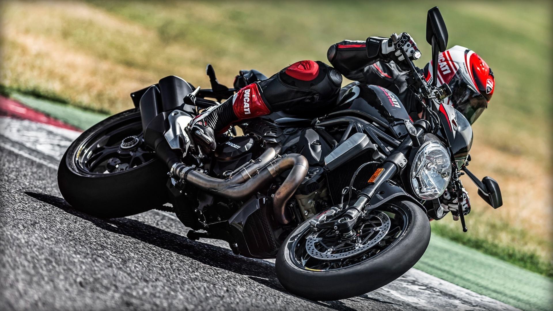 Foto de Ducati Monster 1200 R (10/30)