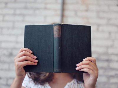 Por dónde empezar si tu propósito para 2018 es leer más: 17 novelas que te engancharán