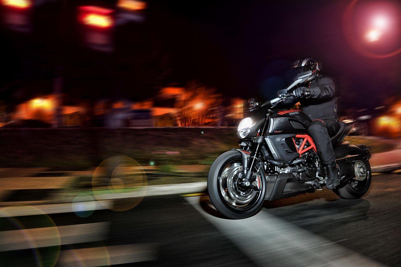 Foto de Ducati Diavel Carbon (1/53)