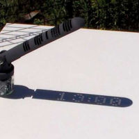 Este reloj solar es capaz de dar la hora como si fuera digital sin necesidad de baterías