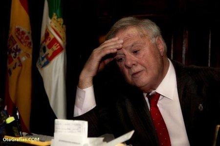 El alcalde de Badajoz (PP) dice que internet es la peste y el quinto jinete del apocalipsis