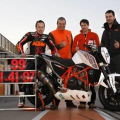 Foto 8 de 17 de la galería ktm-690-duke-track-limitada-a-200-unidades-definitivamente-quiero-una-ktm-690-ejc en Motorpasion Moto